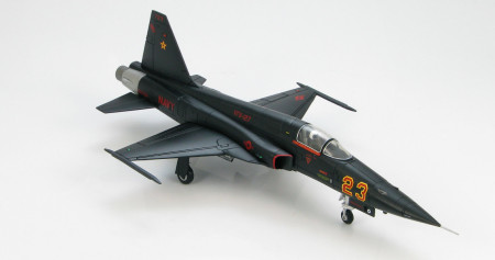 "HA3315 - 1/72 scale F-5E Tiger II diecast model aircraft of ""Red 23"" BuNo 160792, VFA-127 ""Desert Bogeys"", US Navy Nevada."