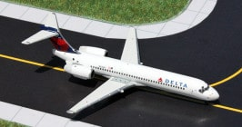 Gemini Jets GJDAL1280 - 1/400 scale Boeing 717-200 diecast aircraft model of Delta Air Lines, N935AT.