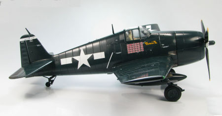 starboard side view of Hobby Master HA0301 - 1/22 scale Grumman F6F-5 Hellcat VF-15 US Navy diecast aircraft model. www.armchairaviator.com.au
