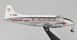 Starboard View Oxford Diecast 72DV001 - 1/72 scale de Havilland DH 104 Dove Diecast Model Aircraft of c/n 04023, G-AIWF, Dan Air Services Limited, early 1960's.