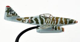 """Starboard Side View Oxford Diecast AC061 - 1/72 Scale Messerschmitt Me262a-1a Diecast Model Aircraft of 9K+EN, KG 51 """"Edelweiss"""", Luftwaffe, Operation Bodenplatte January 1945."""